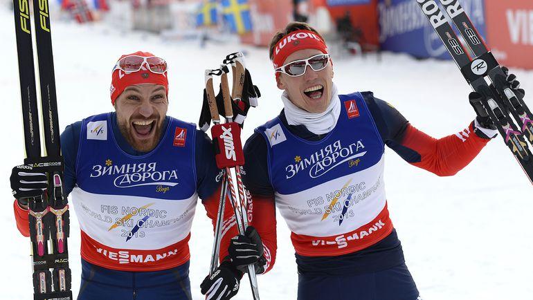 У серебряных призеров чемпионата мира-2015 Алексея ПЕТУХОВА (слева) и Никиты КРЮКОВА мало что получается в нынешнем сезоне. Фото AFP