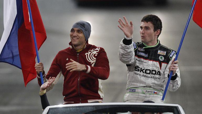 Виталий ПЕТРОВ - слева. Фото REUTERS