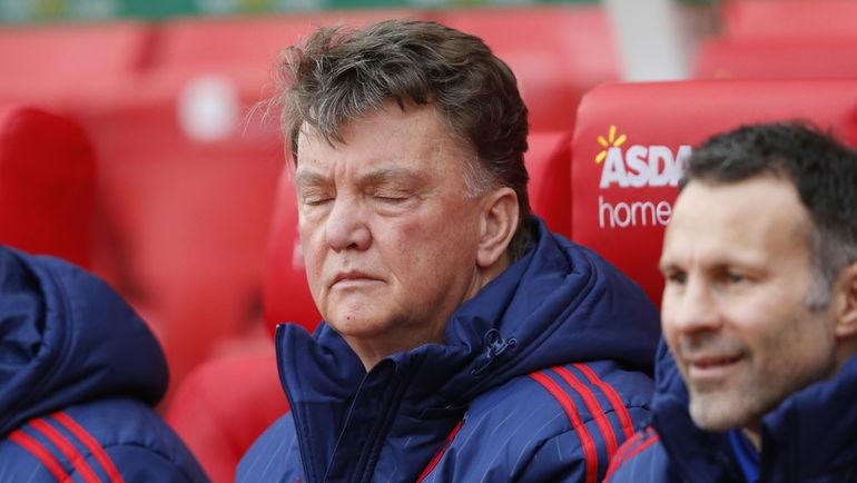 """Суббота. Стоук-он-Трент. """"Стоук Сити"""" – """"Манчестер Юнайтед"""" – 2:0. Луи ВАН ГАЛ."""