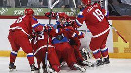 Вторник. Хельсинки. Россия - Финляндия - 3:4 ОТ. Только что Андрей СВЕТЛАКОВ провел гол за шесть секунд до финальной сирены. Но этого было мало.