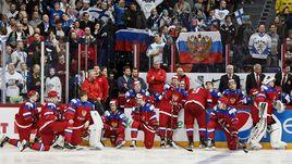 Вторник. Хельсинки. Россия - Финляндия - 3:4 ОТ. Игроки сборной России после проигранного финала.