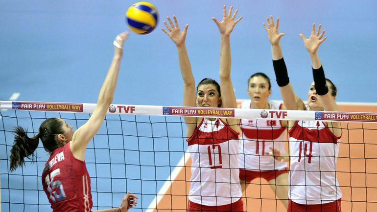 Пятница. Анкара. Турция - Россия - 1:3. В атаке Татьяна КОШЕЛЕВА. Фото FIVB