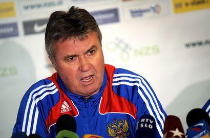 Пока еще главный тренер сборной России Гус ХИДДИНК. Фото AFP Фото «СЭ»