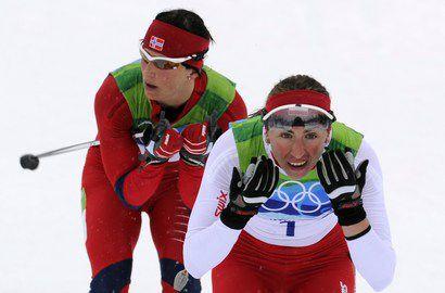 Сегодня. Уистлер. Юстина КОВАЛЬЧИК вырывает золото марафонской гонки на 30 км. Фото AFP Фото «СЭ»
