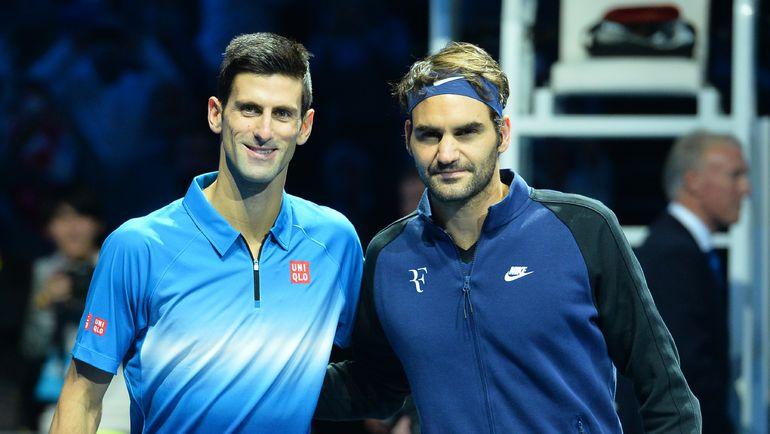 Новак ДЖОКОВИЧ (слева) и Роджер ФЕДЕРЕР могут встретиться в полуфинале Australian Open. Фото AFP