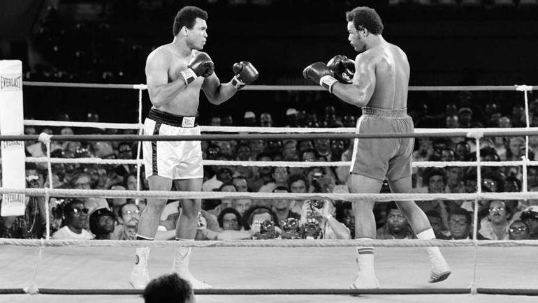 1974 год. Мохаммед АЛИ vs Джордж ФОРМАН. Фото AFP