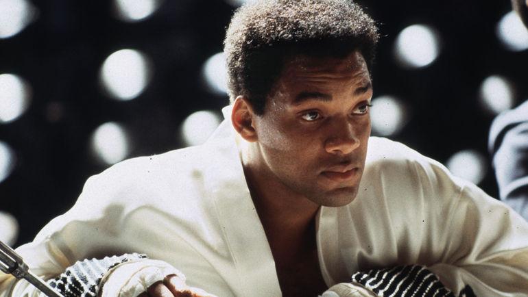 2001 год. Уилл СМИТ в роли Мохаммеда Али. Фото REUTERS
