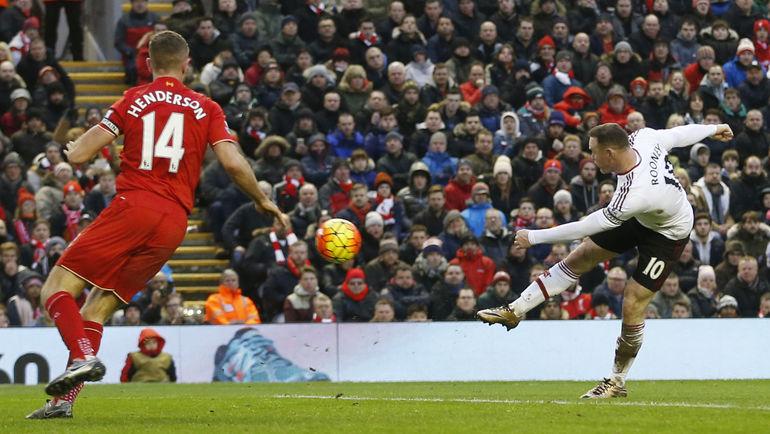 """Воскресенье. Ливерпуль. """"Ливерпуль"""" – """"Манчестер Юнайтед"""" - 0:1. 78-я минута. Уэйн РУНИ забивает первый за 11 лет гол на """"Энфилде"""", и он приносит победу гостям. Фото REUTERS"""
