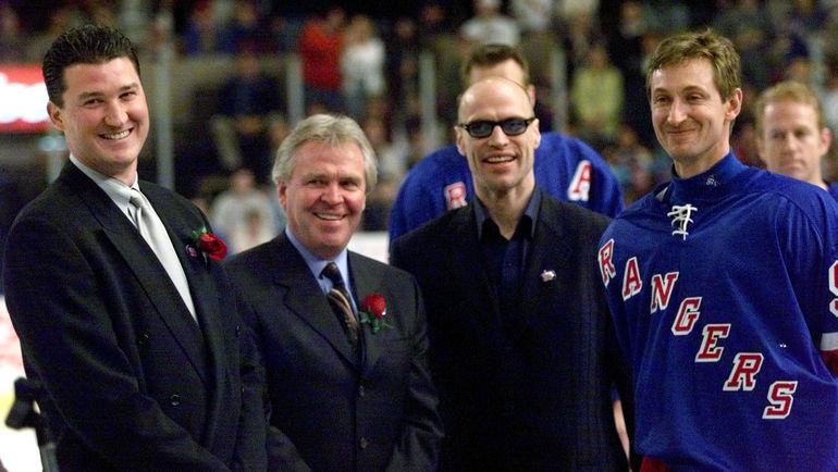 1999 год. Марио ЛЕМЬЕ, Глен САТЕР, Марк МЕССЬЕ и Уэйн ГРЕТЦКИ. Фото Reuters