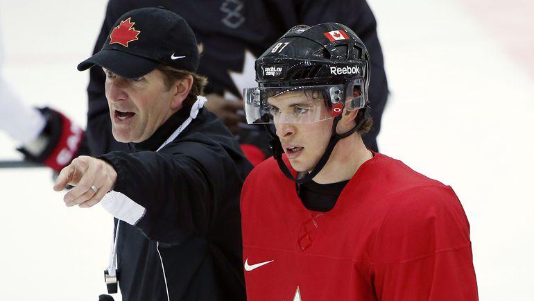 Майк БЭБКОК и Сидни КРОСБИ в олимпийском Сочи. Фото Reuters