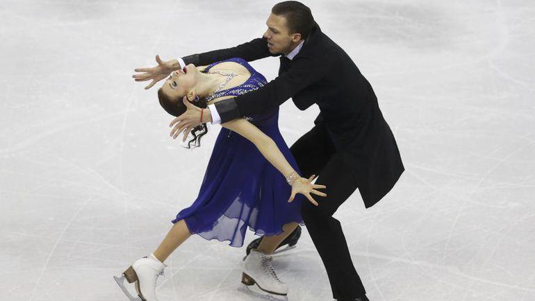 Сегодня. Братислава. Екатерина БОБРОВА и Дмитрий СОЛОВЬЕВ исполняют короткий танец. Фото REUTERS