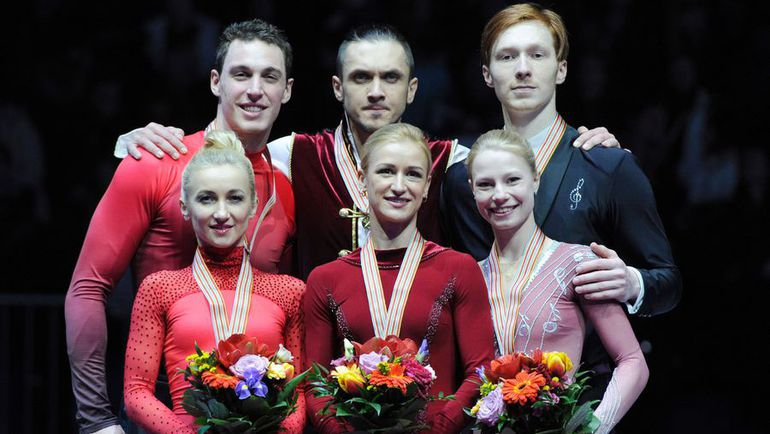 Сегодня. Братислава. Алена Савченко и Бруно Массо (слева), Максим ТРАНЬКОВ и Татьяна ВОЛОСОЖАР (по центру), Владимир МОРОЗОВ и Евгения ТАРАСОВА (справа).