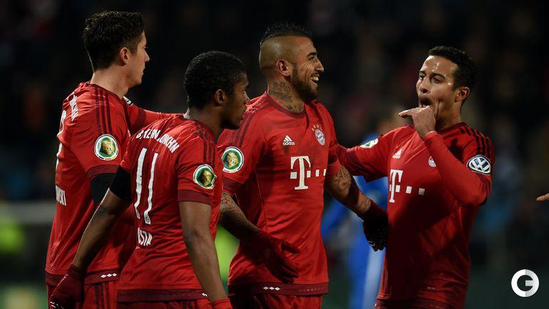"Среда. Бохум. ""Бохум"" – ""Бавария"" – 0:3 (0:1). Игроки ""Баварии"" празднуют взятие ворот."