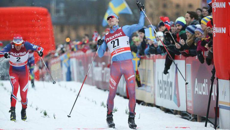 Сегодня. Стокгольм. Никита КРЮКОВ (№27) выигрывает спринт. Фото AFP