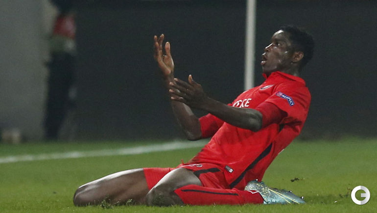 "Четверг. Хернинг. ""Мидтьюлланн"" (Дания) – ""Манчестер Юнайтед"" (Англия) – 2:1 (1:1). Пол ОНУАЧУ."