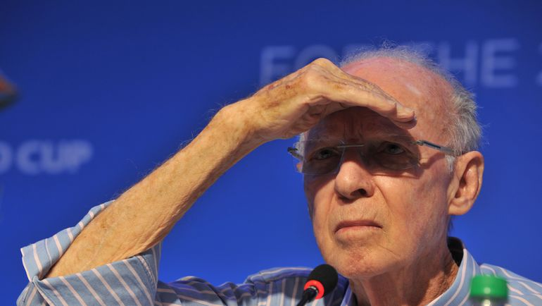 Легендарный Марио ЗАГАЛЛО смотрит в будущее футбола. Фото AFP