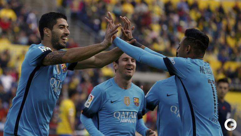 """Сегодня. Лас-Пальмас. """"Лас-Пальмас"""" – """"Барселона"""" – 1:2 (1:2). Игроки """"Барселоны"""" радуются забитому голу."""