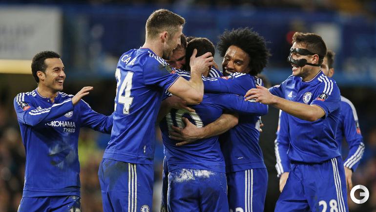 """Воскресенье. Лондон. """"Челси"""" – """"Манчестер Сити"""" – 5:1. Игроки """"Челси"""" празднуют забитый гол."""