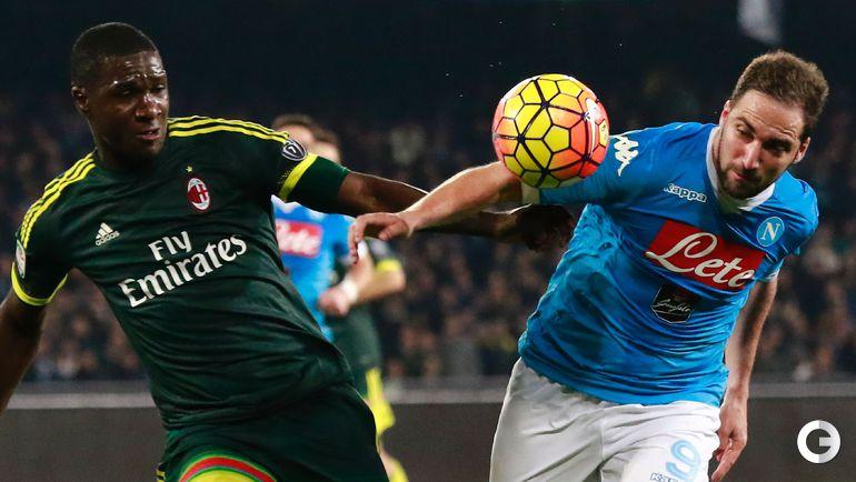 """Понедельник. Неаполь. """"Наполи"""" – """"Милан"""" – 1:1 (1:1). Кристиан САПАТА (слева) и Гонсало ИГУАИН."""