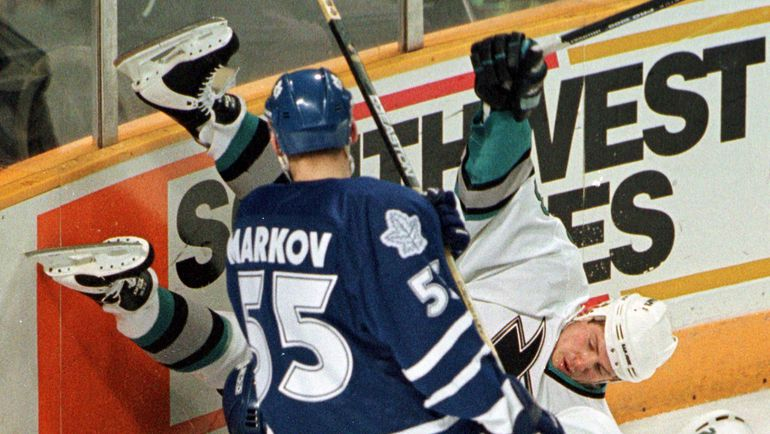 1998 год. Даниил МАРКОВ в действии. Фото REUTERS