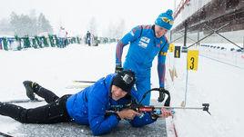 Артем ДЗЮБА и Алексей ВОЛКОВ на биатлонном стрельбище.