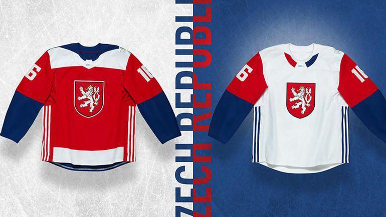 Джерси сборной Чехии с изображением малого герба.