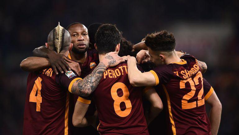 """Пятница. Рим. """"Рома"""" – """"Фиорентина"""" – 4:1. Футболисты """"Ромы"""" празднуют гол."""