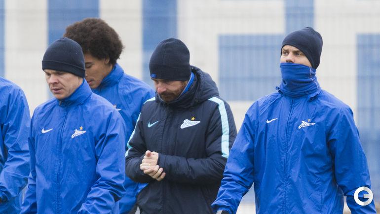 Сегодня. Санкт-Петербург, Удельный парк. Тренировка «Зенита» перед ответным матчем 1/8 финала Лиги чемпионов против «Бенфики».