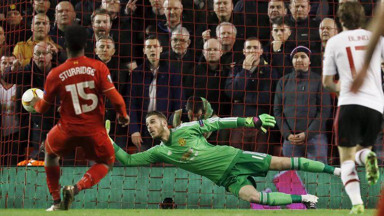 "Четверг. Ливерпуль. ""Ливерпуль"" (Англия) – ""Манчестер Юнайтед"" (Англия) – 2:0 (1:0). Дэниэл СТАРРИДЖ (№15) забивает гол."