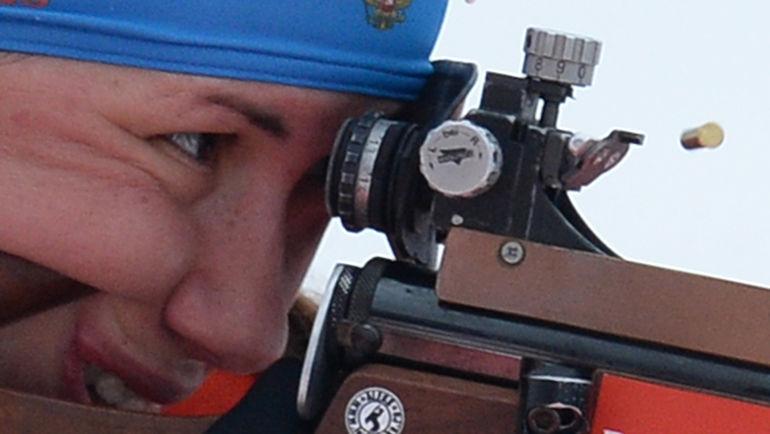 """Вчера. Холменколлен. При стрельбе стоя на своем этапе в эстафете Дарья ВИРОЛАЙНЕН допустила сразу пять промахов. Фото Алексей ФИЛИППОВ, РИА """"Новости"""""""