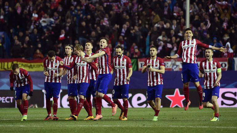 """Вторник. Мадрид. """"Атлетико"""" - ПСВ - 0:0, пенальти - 8:7. Футболисты"""" Атлетико"""" празднуют победу."""