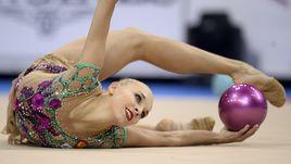 На чемпионате мира-2015 в Штутгарте Яна КУДРЯВЦЕВА выступала с переломом ноги.