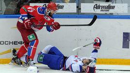 Главный менеджер ЦСКА Сергей Федоров надеется, что на этот раз Александр РАДУЛОВ (№ 47) и компания смогут положить СКА на лопатки.