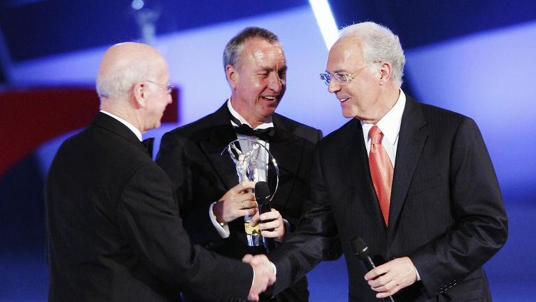Бобби ЧАРЛЬТОН, Йохан КРОЙФ и Франц БЕККЕНБАУЭР. Фото Reuters
