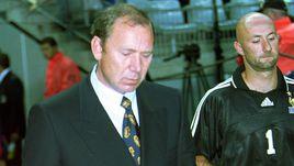 6 июня 1999 года. Париж. Франция - Россия - 2:3. Олег РОМАНЦЕВ и Фабьен БАРТЕЗ.