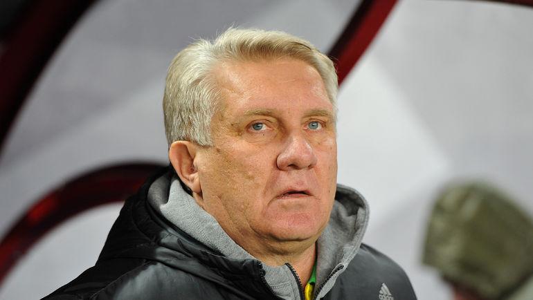 Кажется, Сергею ТАШУЕВУ все сложнее настраивать своих футболистов. Фото Александр ФЕДОРОВ, «СЭ»