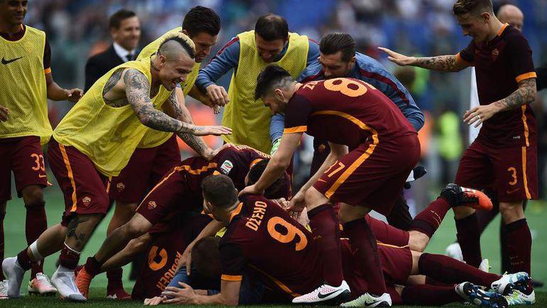 """Сегодня. Рим. """"Лацио"""" – """"Рома"""" – 1:4. Игроки """"Ромы"""" радуются победе."""