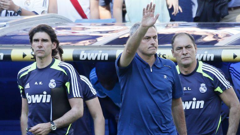 """Жозе МОУРИНЬЮ (в центре) уходил из """"Реала"""" со скандалом, но теперь может вернуться. Фото Reuters"""