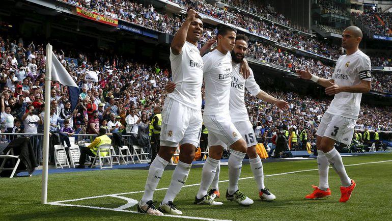 "Суббота. Мадрид. ""Реал"" - ""Эйбар"" - 4:0. Игроки ""Реала"" празднуют забитый гол."