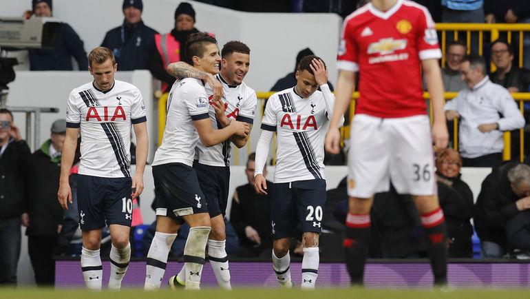 """Воскресенье. Лондон. """"Тоттенхэм"""" – """"Манчестер Юнайтед"""" – 3:0. Игроки """"Тоттенхэма"""" празднуют победу."""