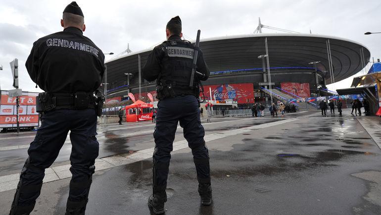 29 марта. Париж. Французская полиция перед матчем Франция - Россия. Фото Александр ФЕДОРОВ, «СЭ»
