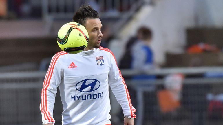 Экс-динамовец Матье ВАЛЬБУЭНА еще не гарантировал себе место в сборной Франции на Euro-2016. Фото AFP
