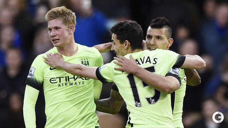 "Суббота. Лондон. ""Челси"" – ""Манчестер Сити"" – 0:3. Игроки ""Манчестер Сити"" празднуют гол."