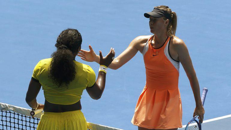 26 января. Мельбурн. Мария ШАРАПОВА (справа) и Серена УИЛЬЯМС после четвертьфинала Australian Open. Фото Reuters