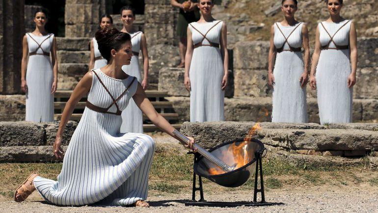 Сегодня. Греция. Актриса Катерина Леху на репетиции зажжения Олимпийского огня.