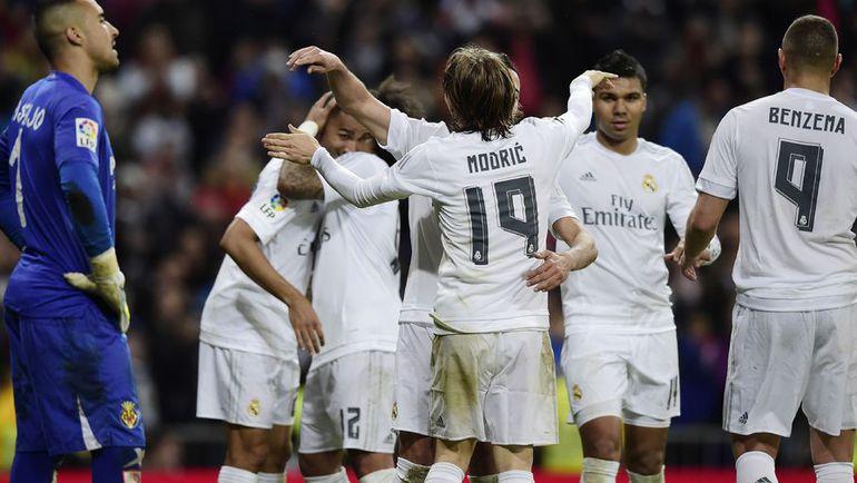 "Среда. Мадрид ""Реал"" - ""Вильярреал"" - 3:0. Игроки ""Реала"" празднуют забитый гол."