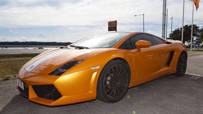 Lamborghini Gallardo Оливера ЭКМАНА-ЛАРССОНА. Фото http://www.expressen.se/kvallsposten/exklusiva-lyxbilarna-tar-nu-fart--i-sverige/