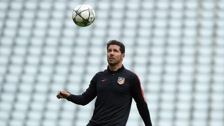 """Главный тренер """"Атлетико"""" Диего СИМЕОНЕ умудрился вляпаться в скандал, даже будучи дисквалифицированным. Фото AFP"""