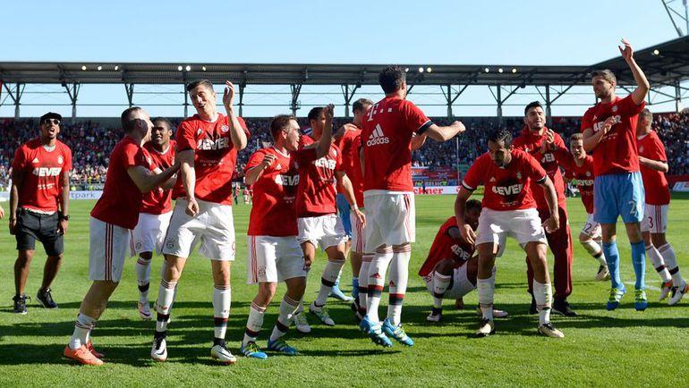 """Сегодня. Ингольштадт. """"Ингольштадт"""" - """"Бавария"""" - 1:2. Масштабное празднование мюнхенцы отложили на неделю. Фото AFP"""