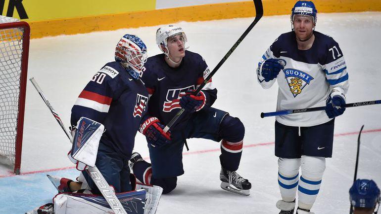 Понедельник. Санкт-Петербург. Финляндия - США - 3:2/ Лео КОМАРОВ (№71) празднует забитый гол. Фото AFP